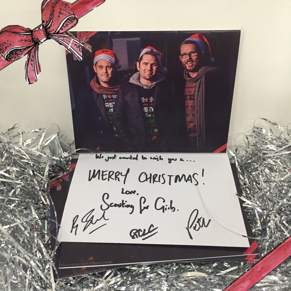 DEC 15. Sending off a few Christmas cards today. Who wants one? RT & we'll pick some winners later tonight! #SFGXMAS https://t.co/nEj9L9UVPj