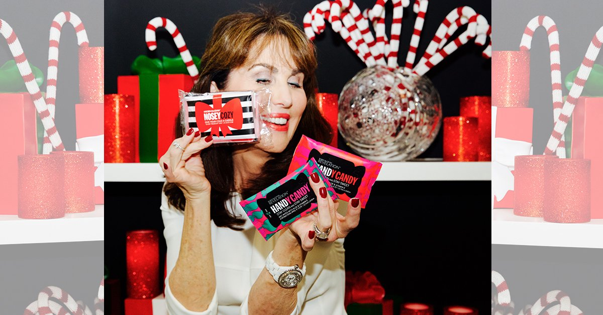 Like & Retweet to be entered to win today's 12 Days Of #MeOMy giveaway! More details: https://t.co/uJXYiOnjqL https://t.co/EamcVztjXZ