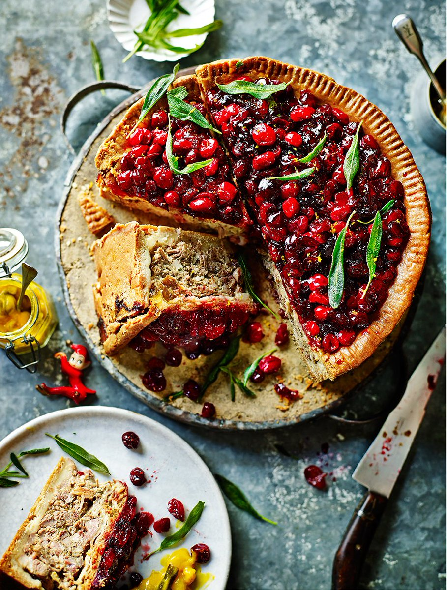 RT @JamieMagazine: @jamieoliver's epic turkey, pork & cranberry pie is perfect for feeding a crowd https://t.co/CSdOYoqGPi https://t.co/xrh…