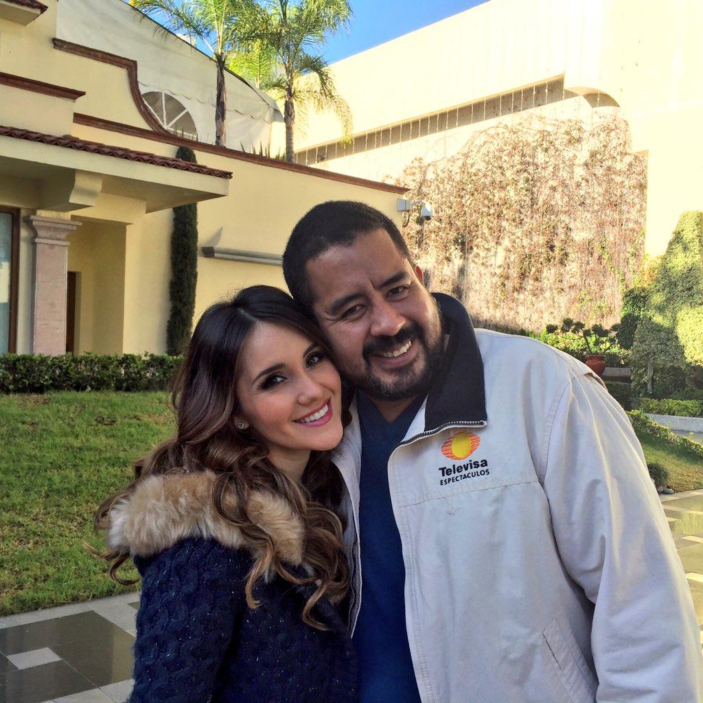 Mi querida @DulceMaria siempre es un gusto verte... SIEMPRE TRIUNFANDO, TQM ❤️ Pendientes de mi EXCLUSIVA https://t.co/tzdAUNrM8J