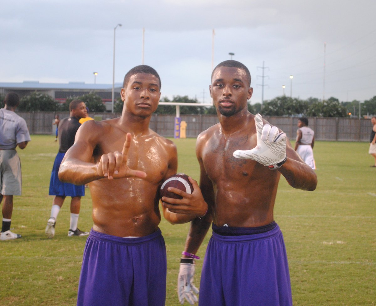 Was digging through iPhoto and stumbled on these old photos. Odell and Jarvis. 11th graders at #LSU camp. https://t.co/mNbEVRB8Yx