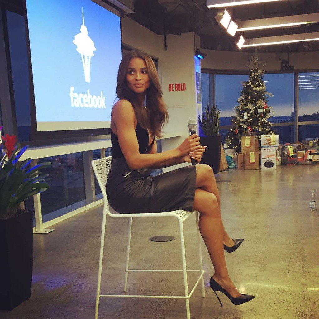 So apparently we had Ciara in the Facebook Seattle office today. Just another regular day, right? https://t.co/wueSaNj6lI