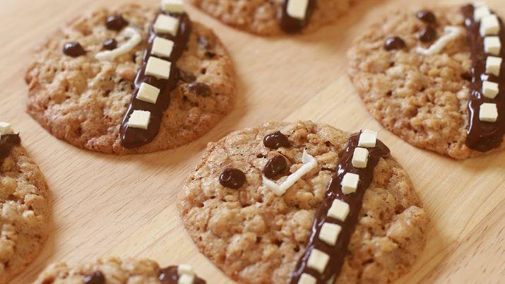How to Make @RosannaPansino's Wookiee Cookies https://t.co/zbnADByzzv via @statesman #Austin360Cooks #StarWars https://t.co/KwUeFKOqjl