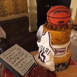 How about this cake?! My family is gonna eat the book tonight! https://t.co/XQuOXbDPeX