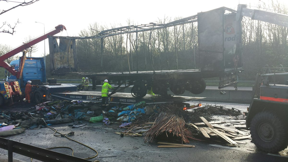 #M62 remains closed eastbound between J29 (M1) - J30 #Wakefield, Hard work continues at scene to get the road open. https://t.co/LdFQAbyRB6