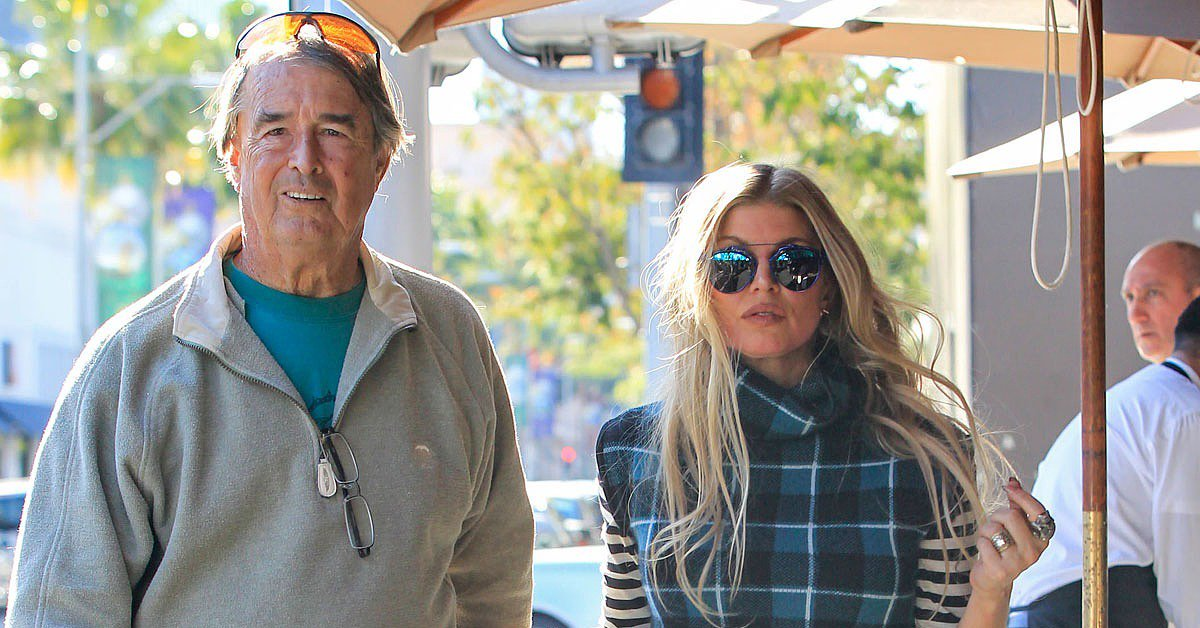 RT @POPSUGAR: So cute! @Fergie had a sweet day date with her dad in LA on Tuesday: https://t.co/dh728gh0Cz https://t.co/jjVKq3PJga