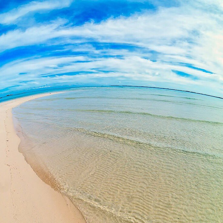 #BeachThursday ! @VisitTheBahamas Tis the season to Bahamas ! #ItsBetterInTheBahamas Photo Credit: @_bahamasgirl_ https://t.co/qjITKschF2