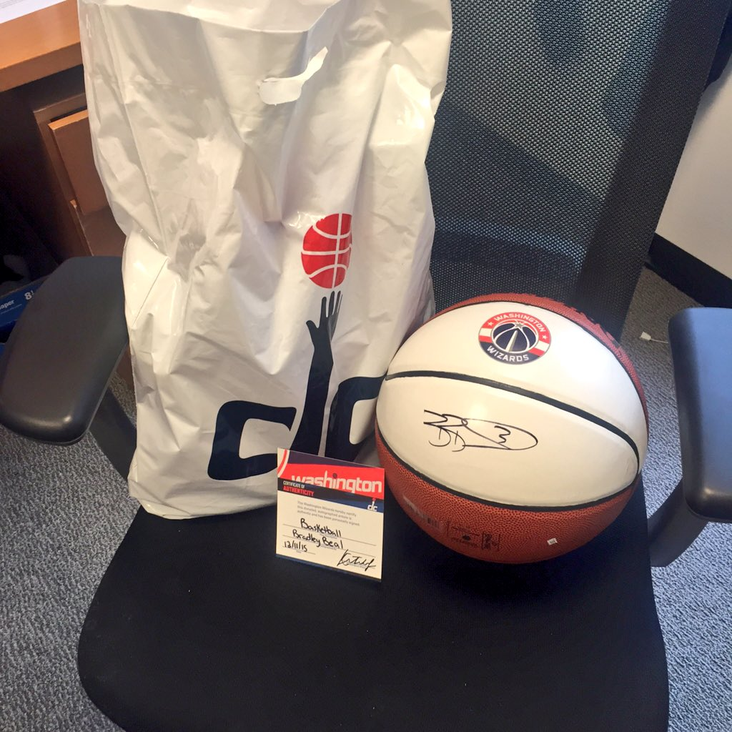 .@DMVFollowers Here's a sneak peek of an item we'll be giving away. Thanks @RealDealBeal23! https://t.co/689jCaXueg