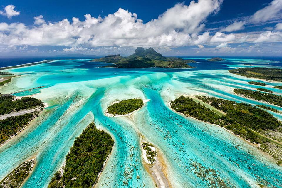 Bora Bora From Above | Photography by ©Lenticular Travel https://t.co/EExABGQ8uM