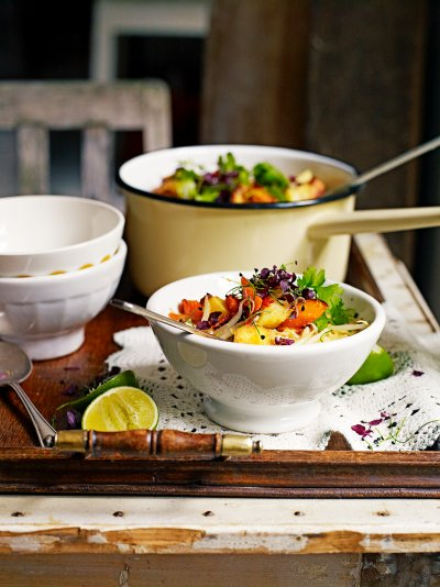 Today's #recipeoftheday is this veggie delight, veg laksa. Add as much veg as you like! https://t.co/WxycBsMiWq https://t.co/qdXaDWRoOX