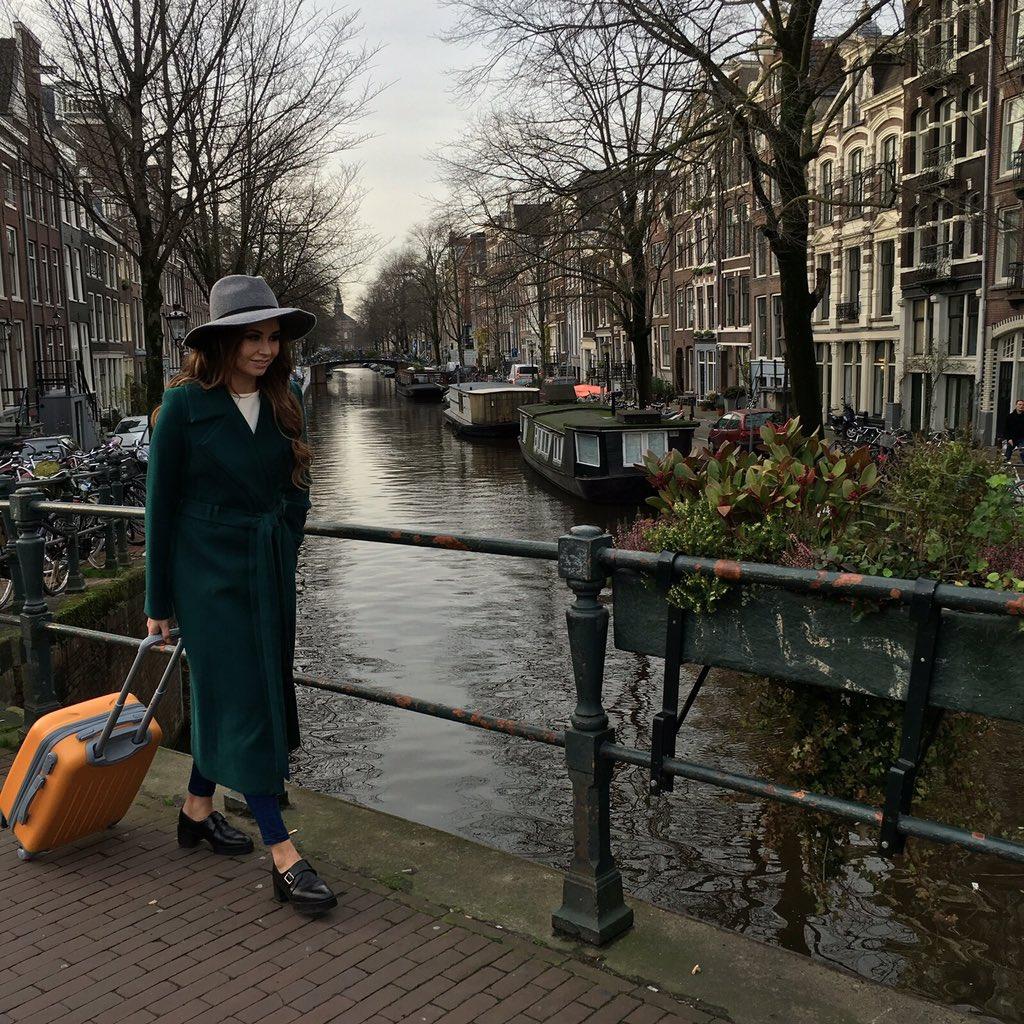 Амстердам ! Работаем ???? #чтовчемодане https://t.co/BakmmaUUir