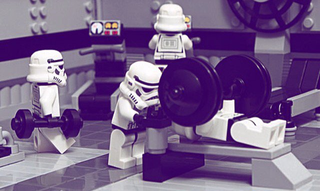 """Luke, I Am Your Spotter!"" #TheGainsAwaken #StarWarsTheForceAwakens #Youfit https://t.co/6wkwNmxcBt"