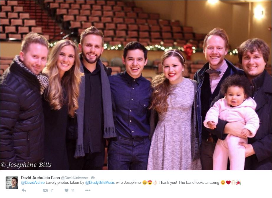 Lovely photo of @DavidArchie, the band, @gracieschram @cuttergage etc. RT @DavidUniverse https://t.co/peOLh9jv8n