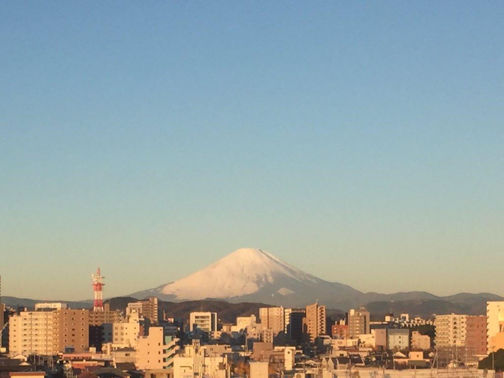 おはよーちゃん( ´ ▽ ` )ノ日勤ラスト!富士山が応援してるよー https://t.co/WMoTey3jPD
