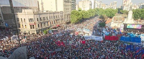 #LeyDeMedios | Las mejores fotos de la masiva marcha en el Congreso ► https://t.co/lO7SYvZEvA https://t.co/t5pJrgfV4i