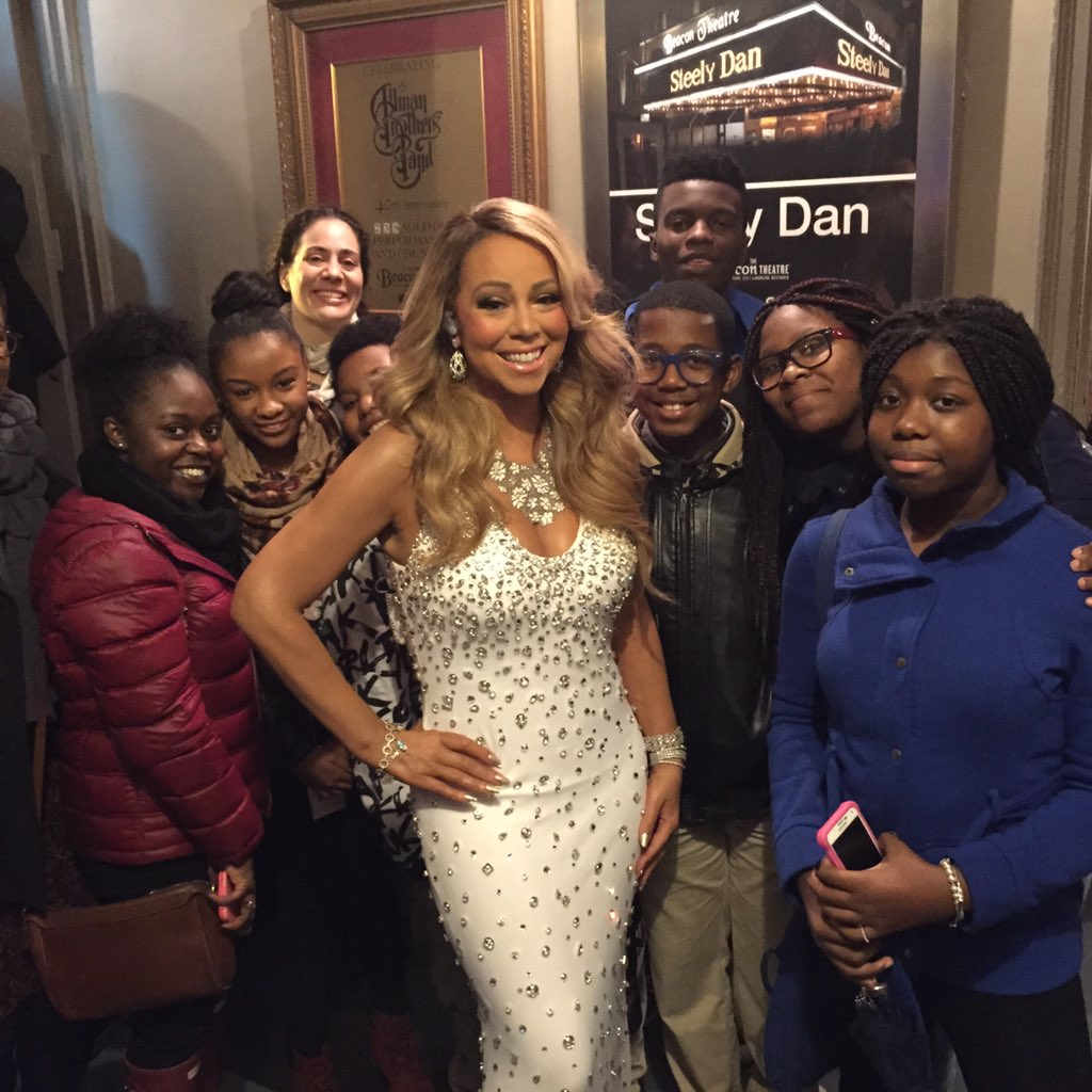 What a blast our #CampMariah students & @FatimaShamaNYC had w-@MariahCarey at her concert last night! #freshairfund https://t.co/ZTVBsLZGgE