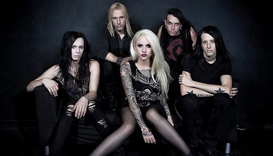 My interview with @StitchdUpHeart on @HuffingtonPost! They play Battle Creek tonight!  https://t.co/I2I4iOBCqY https://t.co/bvRS5X26Gi