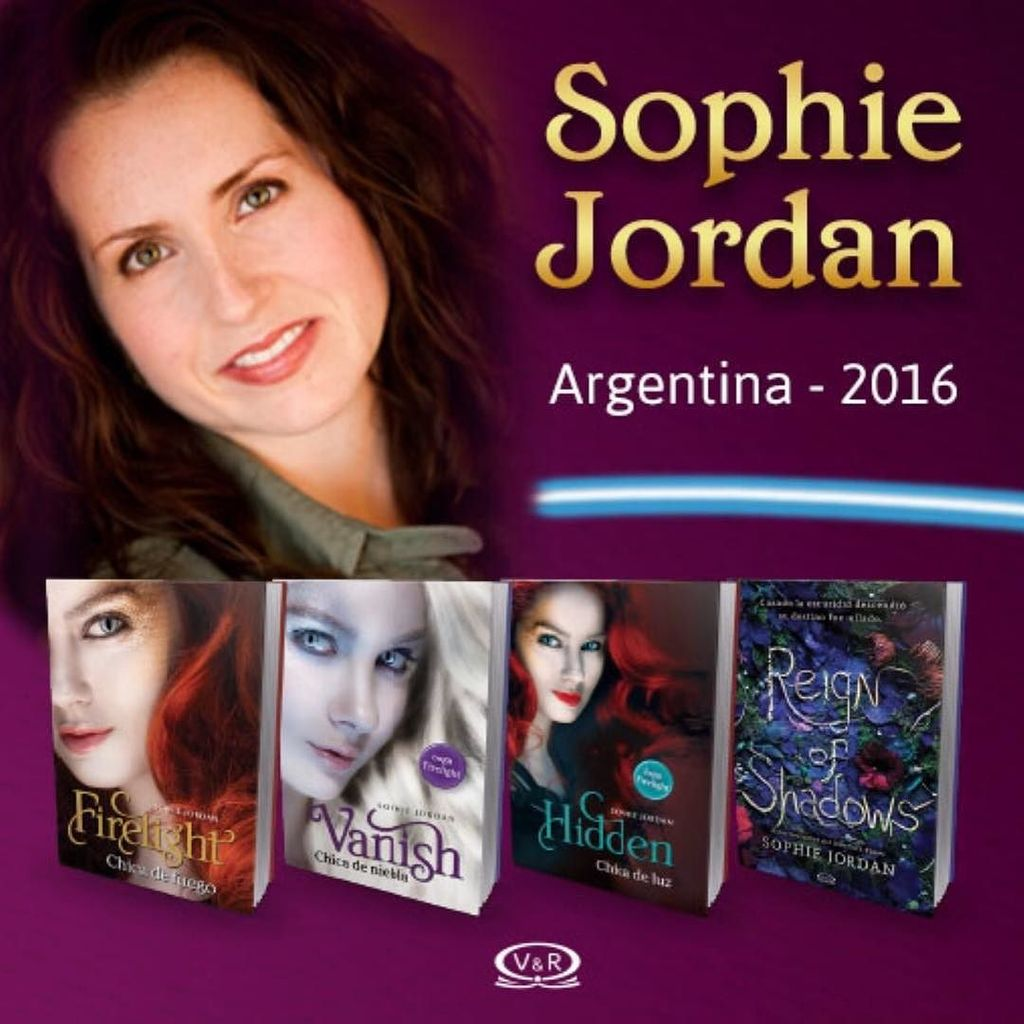 It's a THING!! Guess who's touring Argentina in 2016?? #firelighttrilogy #ReignofShadows https://t.co/Zem3csRhrk