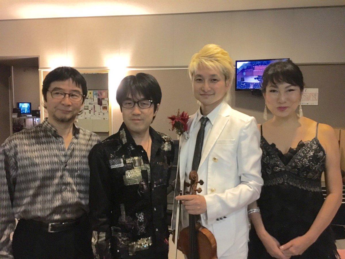 昨夜の大阪いずみホールはこんなメンツ、からの、今日は渋谷JZブラットでスペシャルな3人。お待ちしちょります。 https://t.co/Cerv13epww