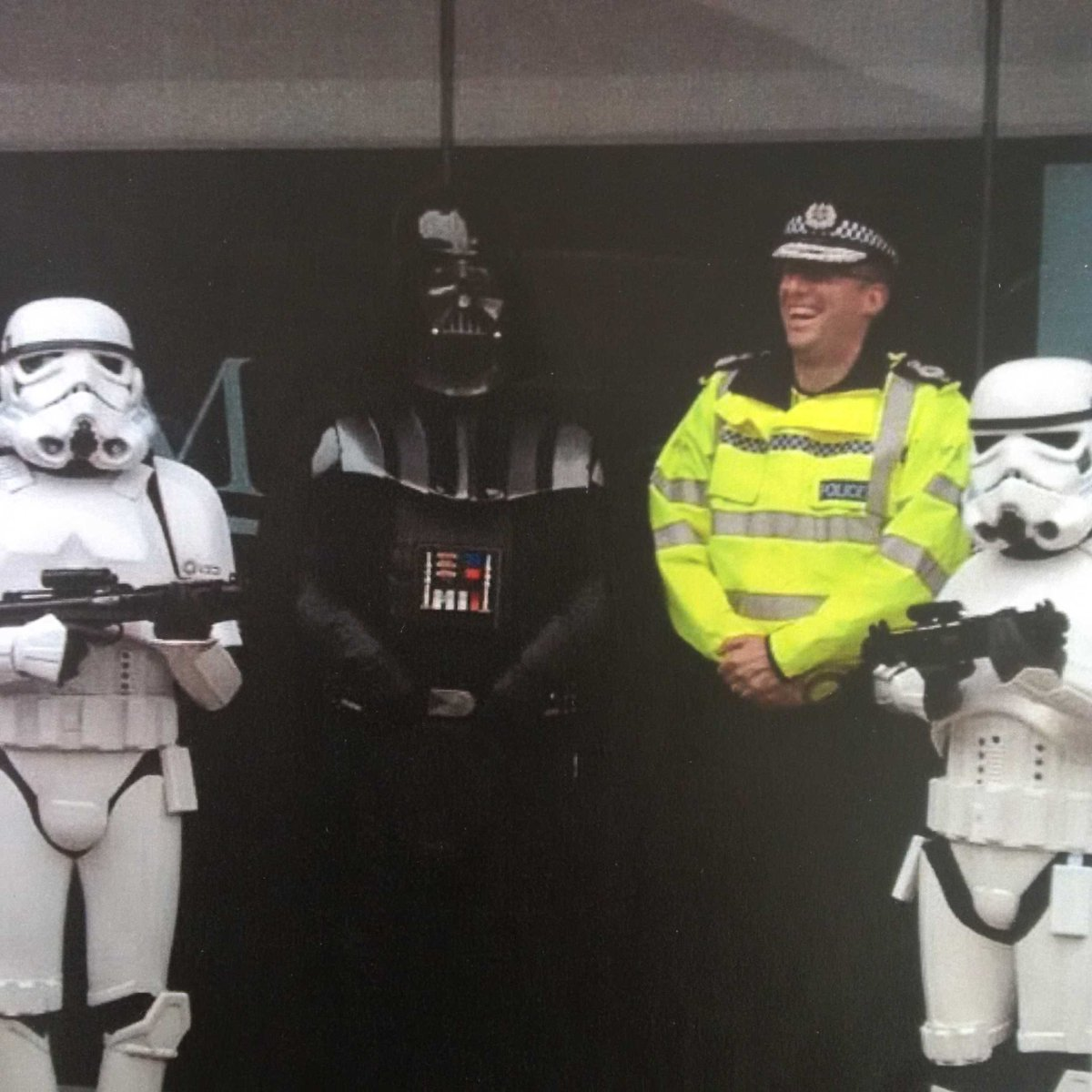 #TheForceAwakens   Patrol strategy review required @leicspolice   @UKCopHumour https://t.co/xMuUrKHj6h