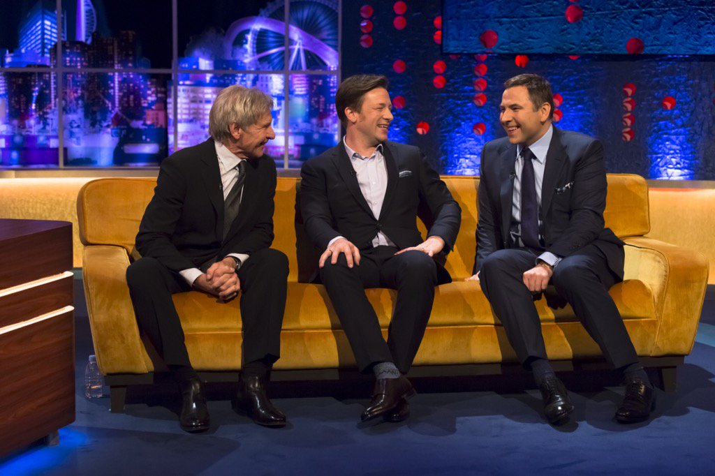 RT @davidwalliams: #HarrisonFord @jamieoliver & me are @wossy 's guests tonight on @JRossShow @ITV 9:45pm https://t.co/x5xA7O34nh