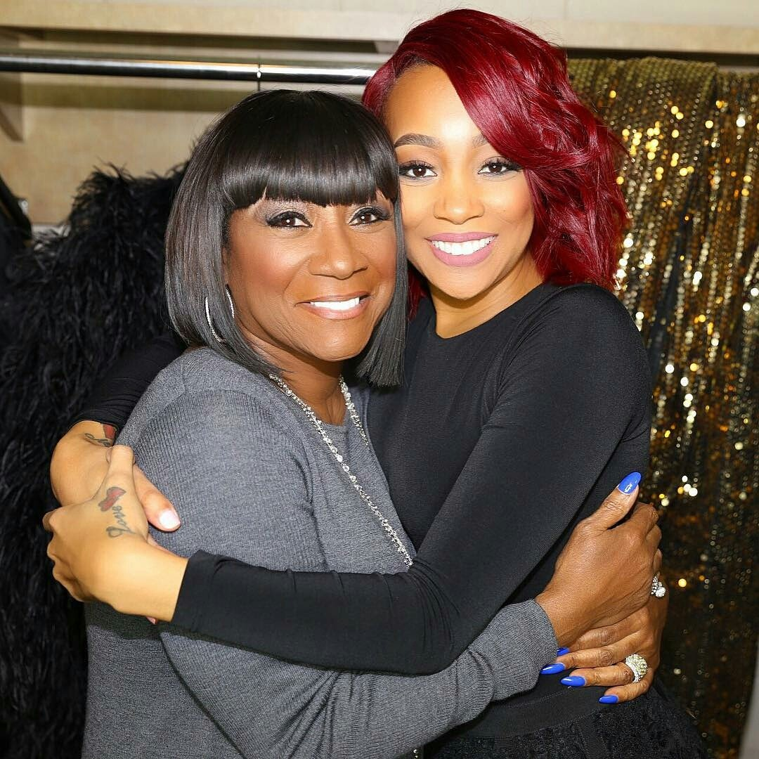 .@MonicaBrown &legendary  @MsPattiPatti  having a moment backstage #WBLSChristmas IntheCity!  @ATT @MetroPlusHealth https://t.co/xkrfVqVynG