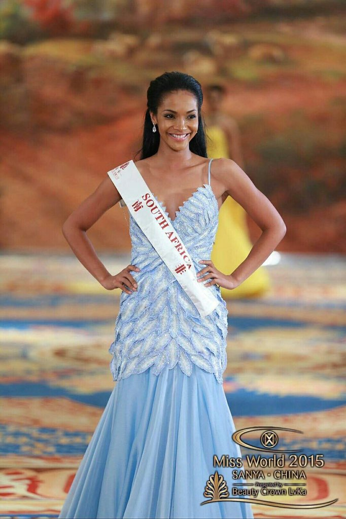 Excited to see @LieslLaurie @Official_MissSA with her sash in Chinese 南非