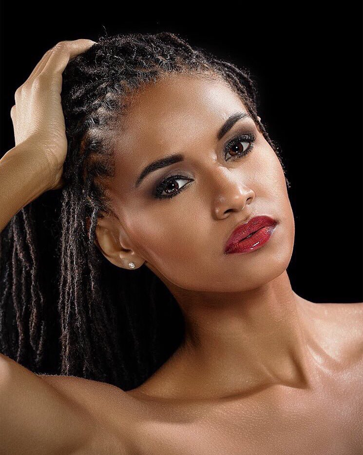 """We're so proud of you @SannetaMyrie! You are a true representation of our """"Out of many, one people"""" #MissWorld2015 https://t.co/UuV7d8HvDv"""