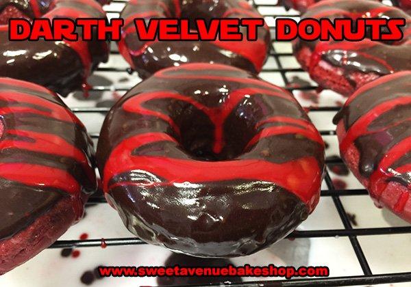 Darth Velvet donuts available today! #Vegan & #GlutenFree #STARWARS #StarWarsTheForceAwakens https://t.co/ugVkYlpWk2