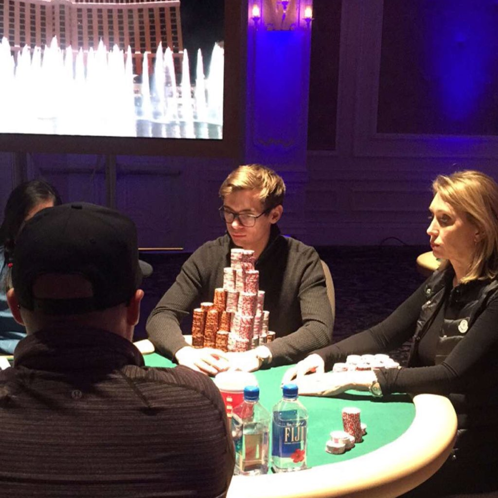 This stack is insane! @CrownUpGuy is holding approx ⅓ of chips in play with 8 players left. https://t.co/GM0mpStAe4