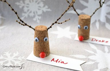 Make Reindeer Place Cards https://t.co/4zqfsp3WcN #kids #crafts @christmas https://t.co/LT1kNrxgiR