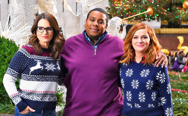 SNL really delivered thanks to Tina Fey and Amy Poehler's comedic chemistry. Our recap: 😂
