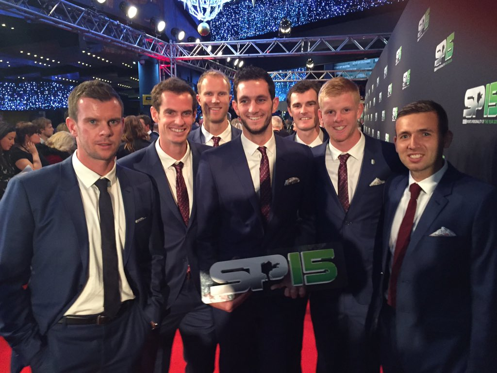 Cheeky Red carpet with the #daviscupteam #SPOTY #SPOTY2015 https://t.co/MnvmNteGbd
