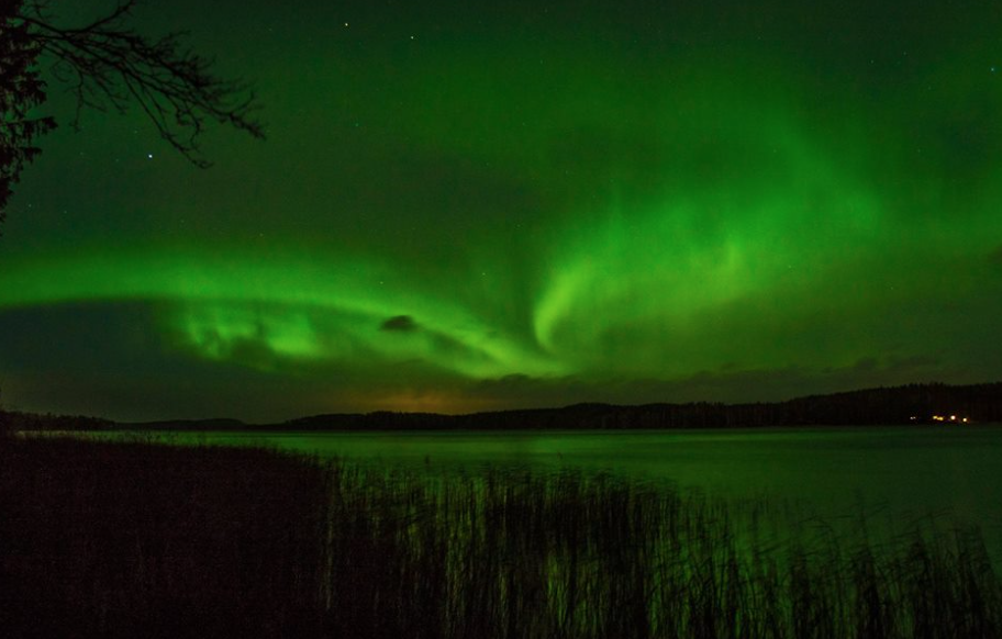 This was #Auroraborealis in my hometown Arvika, Sweden tonight. Photo: Anders Nyborg. @liamdutton @VirtualAstro https://t.co/mzWG76LpX8