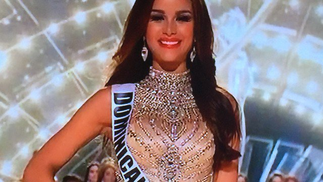 Clarissa Molina ya fue escogida entre la 10 finalistas en Miss Universo - https://t.co/RfBBQr45Dj https://t.co/fdrsgFZY8B