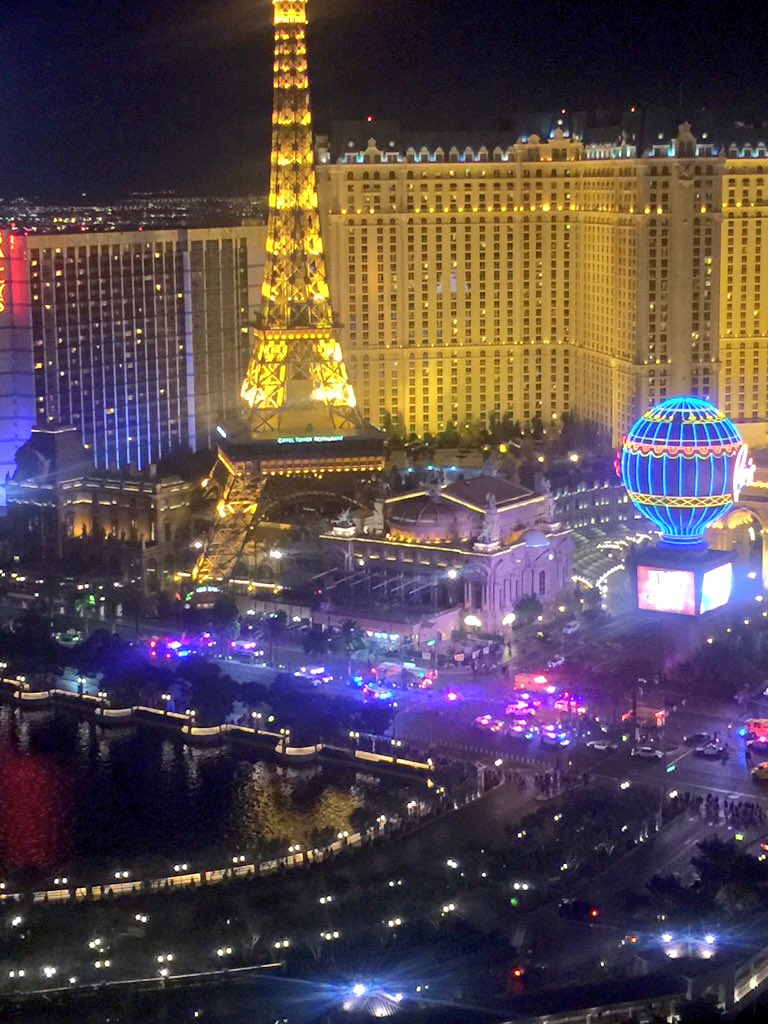 @SLOStringer @parishotelvegas @PlanetHollywood @News3LV yah lots more cops and vehicles showing up now https://t.co/zFQEat542g