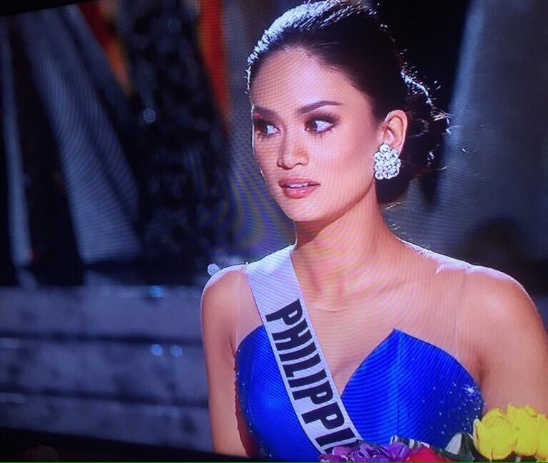 When you won but you don't know what to do #MissUniverse2015 https://t.co/l32r3X8CzX