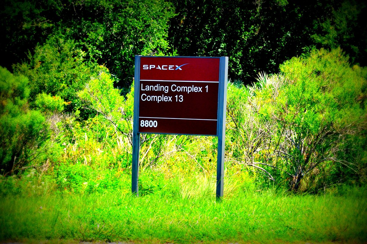 Launch Complex 13 became Landing Complex 1 for @SpaceX. It is now named Landing Zone 1. Next name, Danger Zone! #LZ1 https://t.co/ZsAHn3kI7c