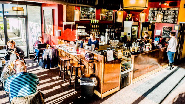Guelph cafe owner using contest to sell business for $200 https://t.co/tY5JS7zdMQ https://t.co/vQ7NsLzk0R