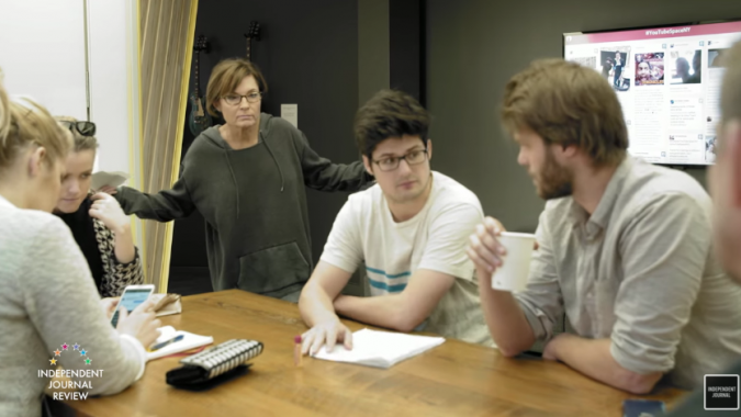 Watch the '30 Rock' parody that enlisted @SarahPalinUSA to mock Tina Fey