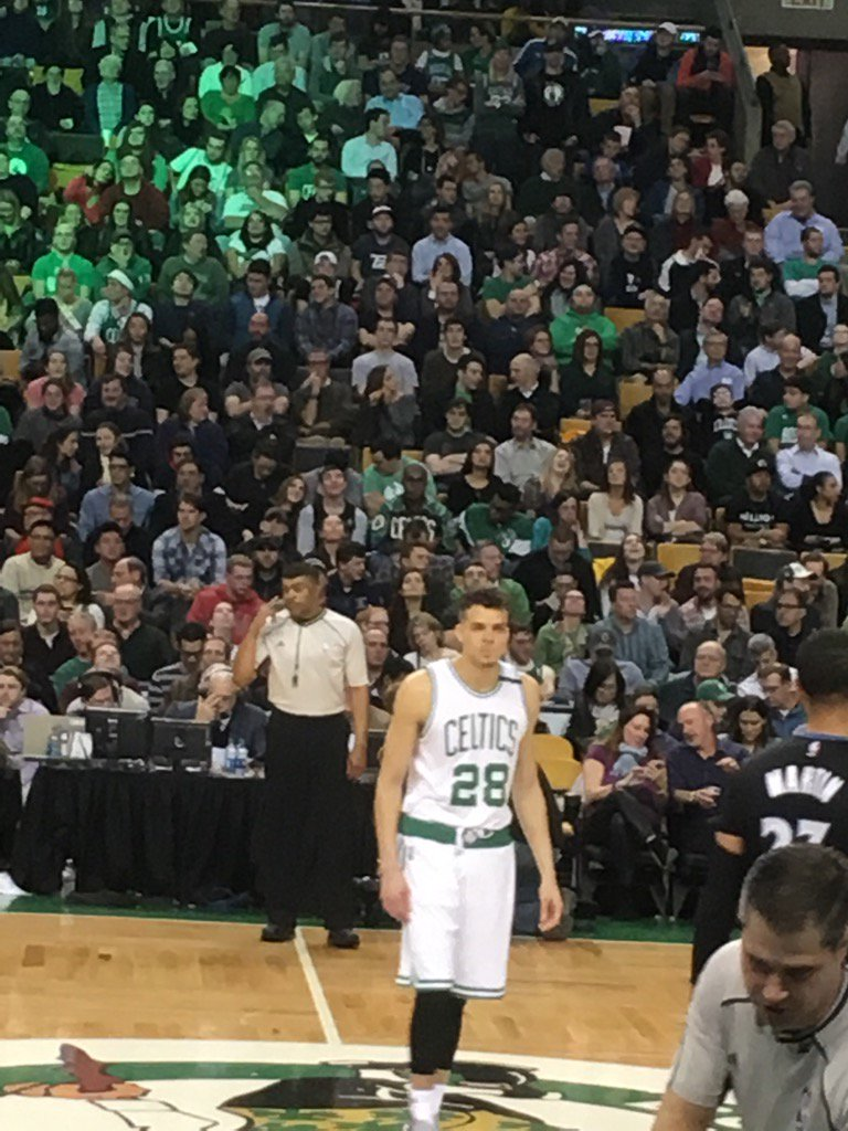 """Somewhere RJ Hunter's dad just fell off a chair."" via @SeanGrandePBP w/Max on RJ's half court FG at buzzer.#Celtics https://t.co/Zxoitan5XX"