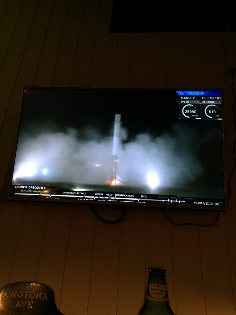 history made...well played, Elon. #SpaceX https://t.co/LWuz9URKzI