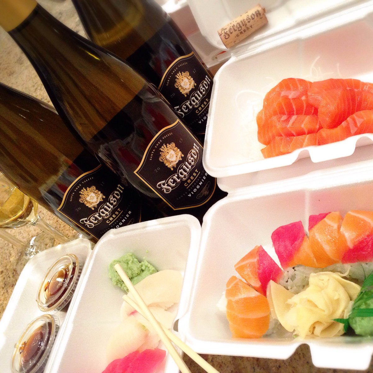 RT @FergusonCrest: #Sushi & #wine #goinuponaTuesday…#thisishowweroll.????????????#fergusoncrest #fergie  #takeouttuesday https://t.co/hTYixLRndS htt…