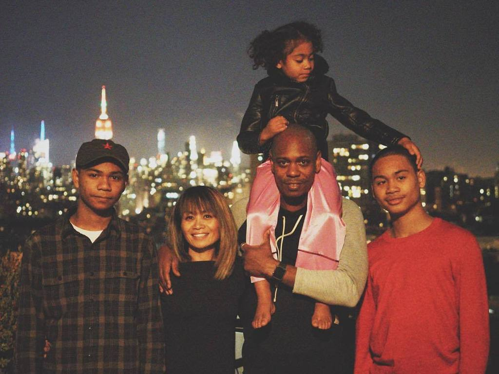 I was going thru my phone today and came across this image I shot of the Chappelle family.… https://t.co/q5OJXsb1gP https://t.co/aYaAYeB3qY