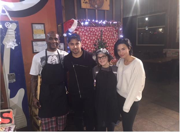 Thanks to @Wvalderrama and @DDLovato for stopping by our Augora Hills location for a quick bite! https://t.co/UXR5PYAPaL