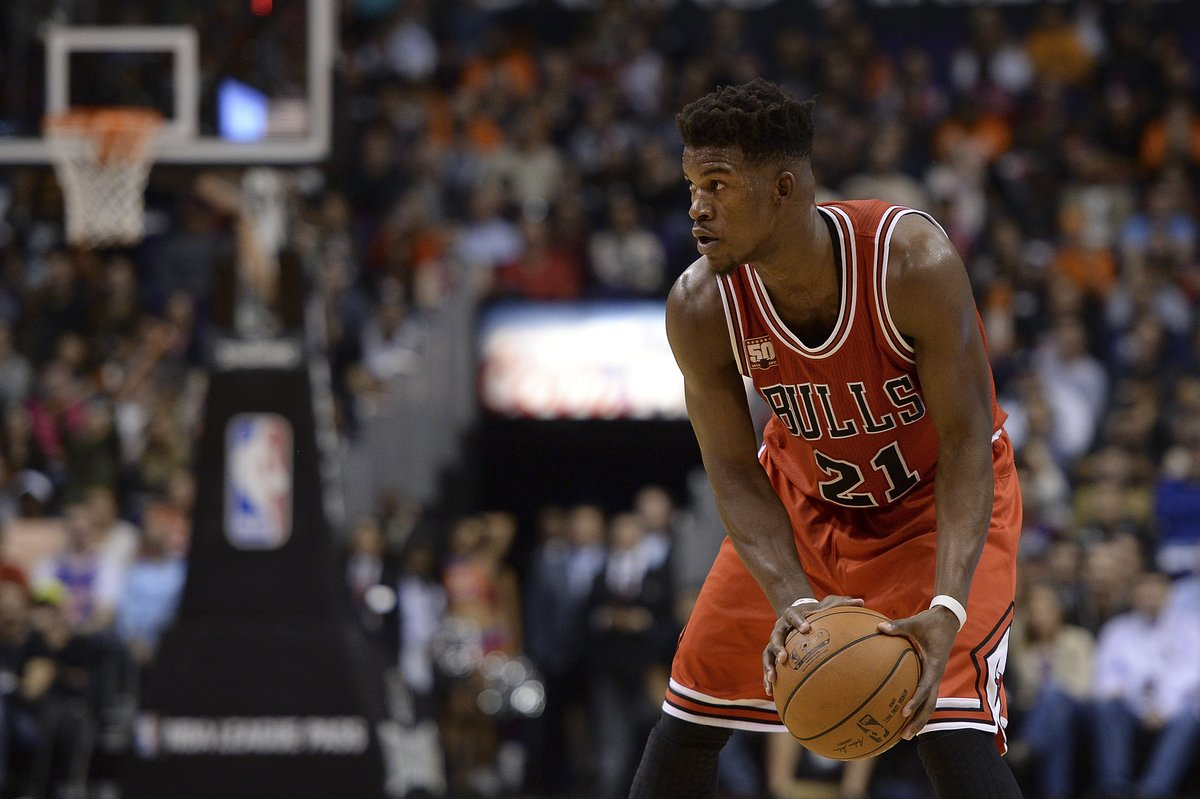 UNBELIEVABLE. Jimmy Butler breaks Michael Jordan's Bulls record with 40 second-half points to lead CHI to win. https://t.co/nRrumLzTdp