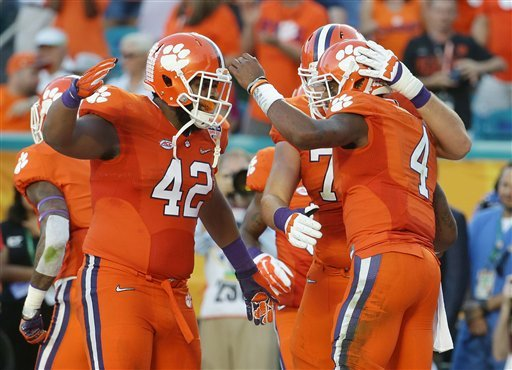 Title fight: Clemson's O-line vs. Alabama's defensive front https://t.co/ToT64mWNFk #CLTNews https://t.co/xuEq9SUT8v
