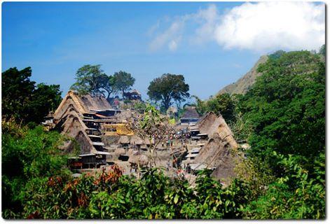 Keunikan Kampung Bena Di Nusa Tenggara Timur - AnekaNews.net