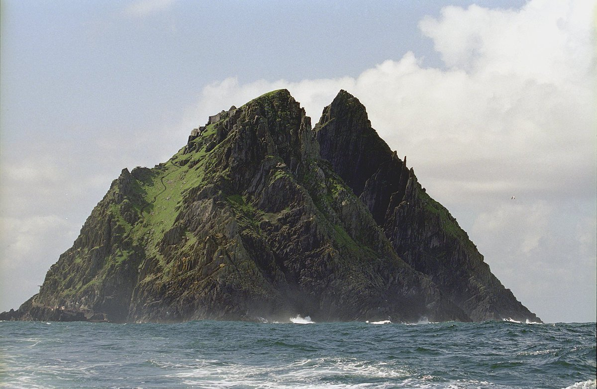 Nice exclusive clip from @TourismIreland on @starwars & Skellig Michael.