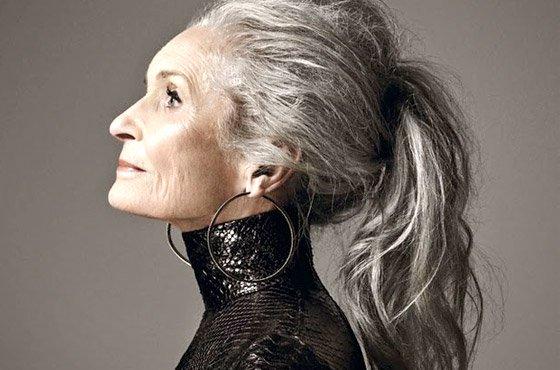 7 modelos acima dos 60 anos que provam que a beleza está além da idade. https://t.co/FTZaCFHoZg https://t.co/Znn5LT3aAP